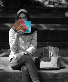 """Colorize your life with Hibrkraft :) . . Kini akun official line kami berubah menjadi '@hibrkraft' (pakai @). Add @hibrkraft (please use """"@"""") di LINE kamu atau chat langsung untuk pemesanan order pricelist dan katalog! Selain itu kami juga akan post info dan trivia menarik seputar dunia penulisan journalling sketch dan lainnya :) . . #journal #productphotography #handicraft #leather #bukuunik #travelnote #photography #bookbinding #booklover #handmade #giftideas #jualsketchbook #hadiahwisuda…"""