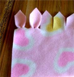 A few ways to finish fleece blankets!