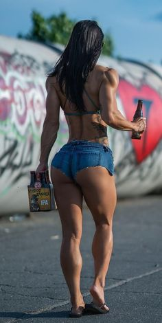 A picture of Lori Wheeler. This site is a community effort to recognize the hard work of female athletes, fitness models, and bodybuilders. Shorts Sexy, Short Shorts, Ripped Girls, Girls Jeans, Muscular Women, Muscle Girls, Sexy Legs, Sexy Outfits, Fit Women