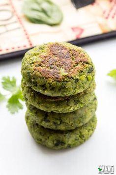 Hara Bhara Kebab made with Spinach, Green Peas and Potato. Full of greens, delicious & vegan!