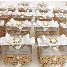 Resultado de imagem para caixinhas de acrílico decoradas com flores e passarinhos