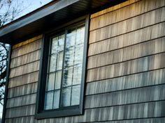 TruCedar® Steel Siding -the Warmth of Wood - Qualité Extérieure Shake Shingle, Shake Siding, Steel Siding, Cedar Shingles, Weathered Wood, House Front, Building Materials, Cladding, Photo Galleries