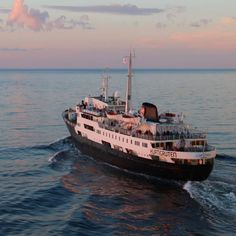 MS Lofoten, our old time favourite, was launched in Oslo in 1964. The classic style and informal atmosphere inspires genuine nostalgia for her passengers.