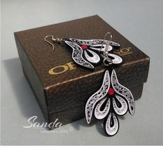 Quilled paper earrings by Sanda Dragotă /4,5cm / 4,0cm/