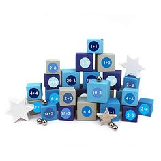 24 Adventskalender Kisten - zum selber befüllen - mit 24 Zahlenaufklebern - mit blau-grauen Kisten verschiedener Größen - von Papierdrachen Advent Calendar, Usb Flash Drive, Holiday Decor, Crates, Boxes, Decals, Random Stuff, Presents, Lineup