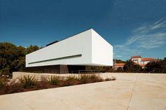 Jean Pierre Porcher, Margarida Oliveira, Albino Freitas, TOPOS Atelier de Arquitectura — House in Alcobaça — Europaconcorsi
