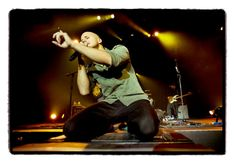 Concert of Milow in Frankfurt 23.10.2011 singing Ayo technology (picture by @milow )