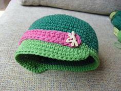Gorra de ganchillo, tejida a mano en algodón 100%. Se hace a medida.  www.madalanas.es