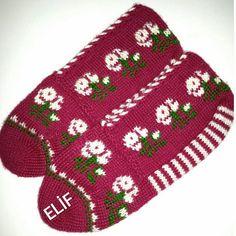 Görüntünün olası içeriği: çizgiler Eminem, Christmas Sweaters, Winter Hats, Crochet, Instagram, Youtube, Crochet Crop Top, Chrochet, Knitting