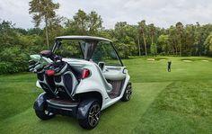 A pesar de todo, este 'caddy' no es solo una creación anecdótica. El equipo de diseñadores e ingenieros del grupo Daimler han trabajado durante los últimos tres años para lograr el carrito de golf definitivo. Una estupenda forma de moverse mientras haces unos hoyos.