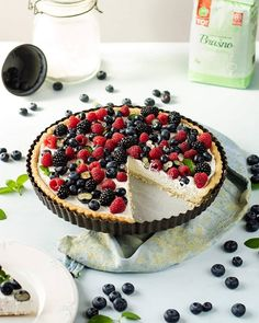 Berry Mascarpone tart  Marijana Mančev - Food Blogger (@kenguristyle) • Instagram photos and videos Shortcrust Pastry, Homemade Pie, Dessert Recipes, Desserts, Custard, Tart, Berry, Cheesecake, Dishes