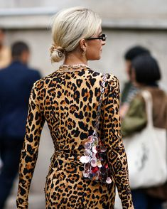 From H&M to Ganni, this summer every cool brand is backing leopard print. Simple Dresses, Nice Dresses, Summer Dresses, Short Curly Hairstyles For Women, Zara, Fall Outfits, Fashion Outfits, Dress Silhouette, Fashion Gallery