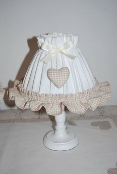 Abat jour con cuoricini e volan in tessuto vichy :) Lamp Shade Crafts, Floral Lampshade, Shabby Chic Accessories, Chabby Chic, Handmade Lamps, Shabby Chic Crafts, Vintage Shabby Chic, Baby Decor, Lampshades