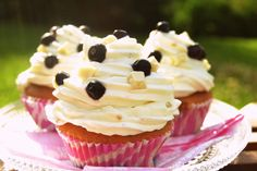 Mustikka-valkosuklaa muffinit