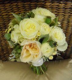 Garden Rose Succulent Bouquet-Garden Rose White Succulent