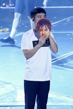 EXO'luXion 160109 : D.O. with his Kangwoo mask