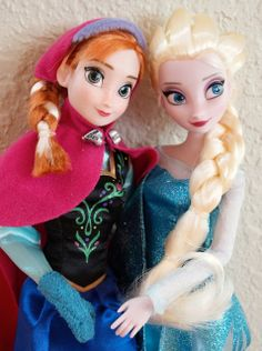 """The Disney Store's """"Anna"""" and """"Elsa"""" from the Movie """"Frozen""""--A Guest Review! 