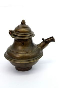 19c Old Rare Antique Hand Crafted Unique Brass Pooja Oil Pot. G7-177