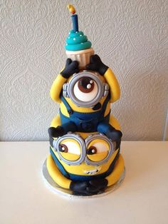 don't like cake but I LOOOVEE minions! Minion cakeI don't like cake but I LOOOVEE minions! Crazy Cakes, Fancy Cakes, Minion Torte, Bolo Minion, Minion Cakes, Cupcake Minions, Pretty Cakes, Cute Cakes, Yummy Cakes