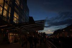 白夜なので明るいものの、終演が24時をまわってました… トラムがなくて、結局4キロ以上徒歩でホテルへ…