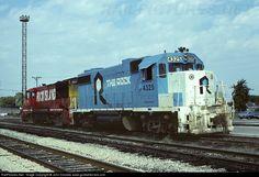 RailPictures.Net Photo: RI 4325 Rock Island Railroad EMD GP38-2 at Silvis, Illinois by John Dziobko www.godfatherrails.com