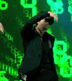 namjoon leaves his phone, THE kim taehyung finds it. Taehyung, Jungkook Oppa, Bts Bangtan Boy, Busan, Namjin, Yoonmin, Kpop, Rapper, Step Brothers