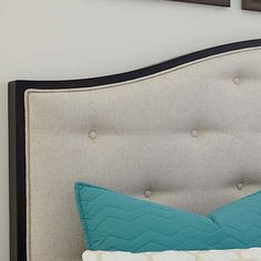 Commonwealth Upholstered Bed by Bassett Furniture features button tufted upholstered headboard. Fresh finish to fit any bedroom style. Furniture Styles, Home Furniture, Upholstered Beds, Panel Bed, Bedroom Styles, Commonwealth, Decoration, Bed Frame, Bedroom Inspiration