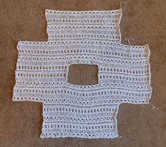 Crochet Blouse Patterns Indian Summer Lace Top - free crochet pattern made all in one piece - so easy! Pull Crochet, Knit Crochet, Crochet Lace Tops, Knit Lace, Crochet Blouse, Crochet Shawl, Crochet Simple, Broomstick Lace, Crochet Summer Tops