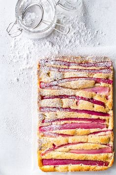 Rhubarb cake - rabarberkage med mandelmel (Recipe in Danish) Sweet Recipes, Cake Recipes, Delicious Desserts, Yummy Food, Rhubarb Cake, Scandinavian Food, Danish Food, Summer Cakes, Food Crush