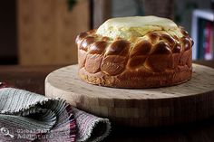 If cheesecake & sweet bread got married... they'd make Pasca, from Romania. And it'd be love at first bite. ♥