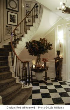 Classical Entrance Hall inspiral in art deco Foyer Staircase, Entry Stairs, Entry Foyer, Entrance Hall, Staircase Molding, House Stairs, Spiral Staircase, Stairway Decorating, Foyer Decorating