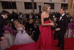 Watch Jennifer Lawrence Photobomb Taylor Swift at the Golden Globes | Vanity Fair