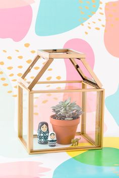 Save this step-by-step project to make a DIY terrarium.