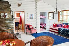 Pintaremontissa mökki maalattiin valkoiseksi katosta lattiaan.