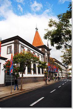 Historisches Bankgebäude in der Altstadt von Funchal, Madeira, Portugal