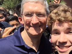 A teen programmer met Apple's Tim Cook and Craig Federighi then built an app to improve your commute (AAPL)