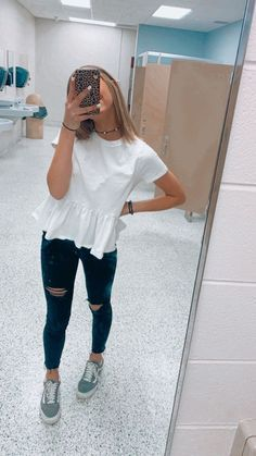 Style Fashion Tips .Style Fashion Tips Teenage Outfits, Cute Teen Outfits, Cute Outfits For School, Cute Comfy Outfits, Teen Fashion Outfits, Cute Summer Outfits, Mode Outfits, Look Fashion, Trendy Outfits