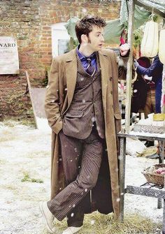 Find images and videos about beautiful, doctor who and david tennant on We Heart It - the app to get lost in what you love. Science Fiction, Tv Doctors, David Tennant Doctor Who, 10th Doctor, Torchwood, Time Lords, Dr Who, Superwholock, Sherlock
