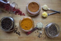 Anti-inflammatory tonic with turmeric, cardamom, cayenne, hemp seeds, and wolfberries Anti Inflammatory Drink, Inflammatory Foods, Foods To Fight Inflammation, Tea Mix Recipe, Turmeric Tea Benefits, Honey And Cinnamon, Tea Recipes, Healthy Drinks, Herbalism