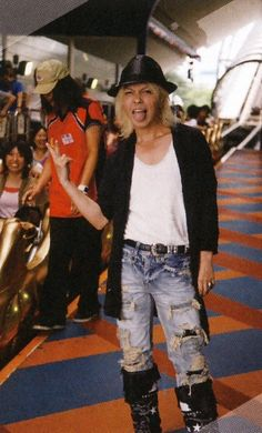 HYDE • 2010 SEP #hyde #larcenciel #vamps #hidetotakarai #takarai #hydegif