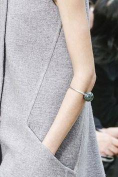 Celine Fall 2013 Ready-to-Wear Fashion Show Fashion Details, Fashion Design, Fabric Manipulation, Pocket Detail, Fashion Show, Fashion Fashion, Batik Fashion, Review Fashion, Runway Fashion