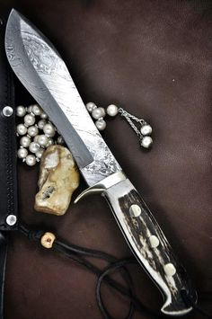 Yes please! I want for my collection :-) Gorgeous! Damascus Hunting Knife Bowie knife