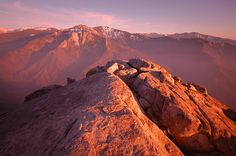Sierra Nevada with Mount Witney from Kings canyon Travel Photographer, Professional Photographer, Amazing Photography, Landscape Photography, Nevada Mountains, Lighting Techniques, Sierra Nevada, National Geographic, West Coast
