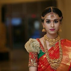 Look out for bridal fashion's latest trend - Retro puff sleeves! Pattu Saree Blouse Designs, Saree Blouse Patterns, Bridal Blouse Designs, South Indian Bride, Indian Bridal, Wedding Saree Blouse, Back Neck Designs, Bridal Style, Latest Jewellery