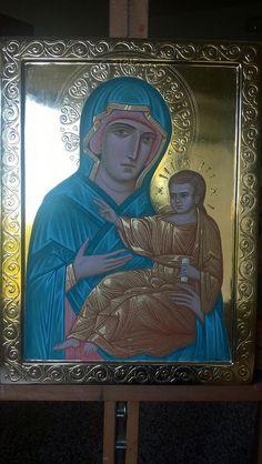 "foto van Anna Sergeevna Malyuga. Icon Mother of God ""San Luca"", 30x40 cm, wood, gold, natural pigments , egg tempera"