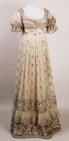 Nach 1810, Hofkleid von Kaiserin Josephine, Frankreich