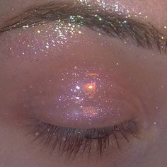 Jellyfish glow💦 Swipe💦 glitter 'riches' shade from trends mischief maker mixed with gloss to create the… Boujee Aesthetic, Bad Girl Aesthetic, Aesthetic Makeup, Aesthetic Vintage, Aesthetic Photo, Aesthetic Pictures, Aesthetic Grunge, Aesthetic Beauty, Aesthetic Collage