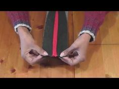 How to Add a Recessed Zipper to a Tote - Free Sewing Tutorials