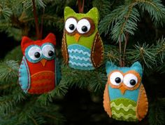 Cute owl ornaments with pattern. Perfect for a woodland theme anything, but I want it for my bay window display at Christmas.