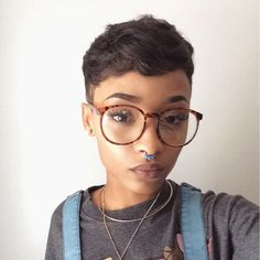 I hate the glasses,but that pixie is on point !